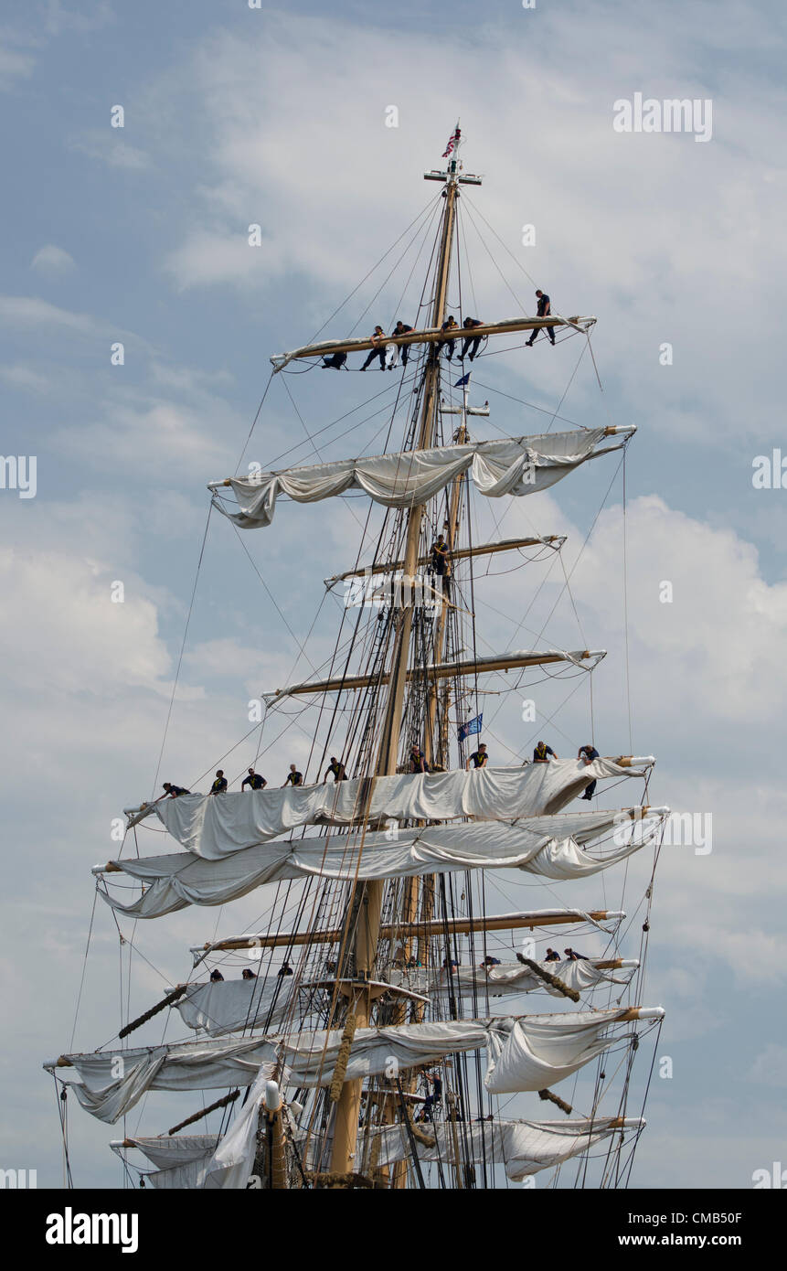 New London, Connecticut, USA - July 7, 2012: The US Coast Guard tall ship Eagle lands at Fort Trumbull during theStock Photo