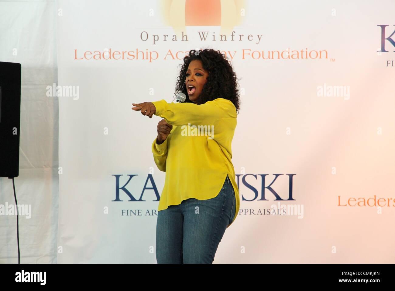 oprah-winfrey-auction-CMKJKN.jpg