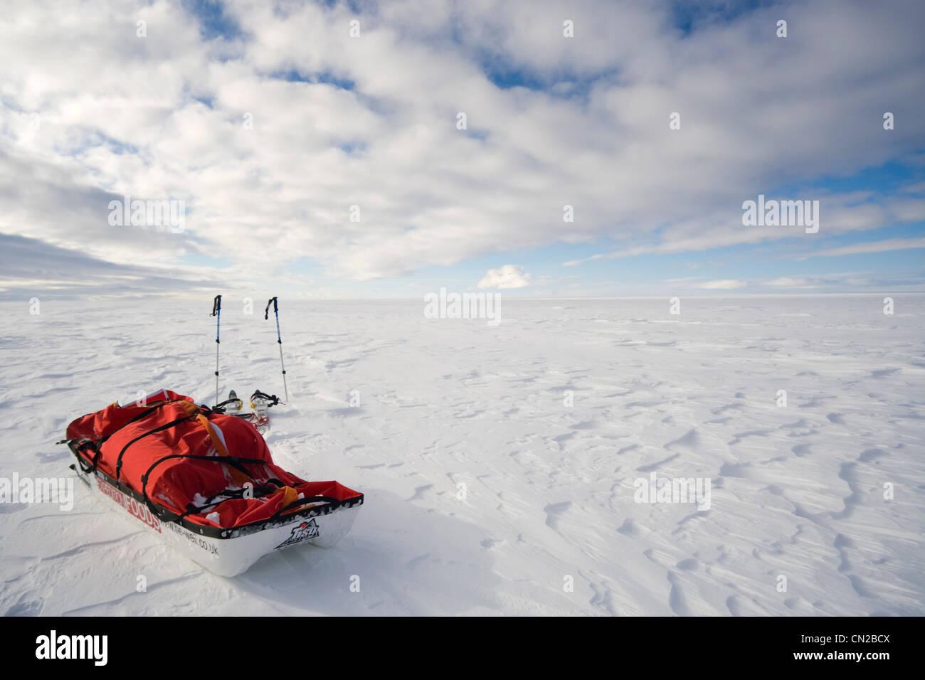 Arctic landscape - Polar expedition rest break point, ice cap, Greenland - Stock Image