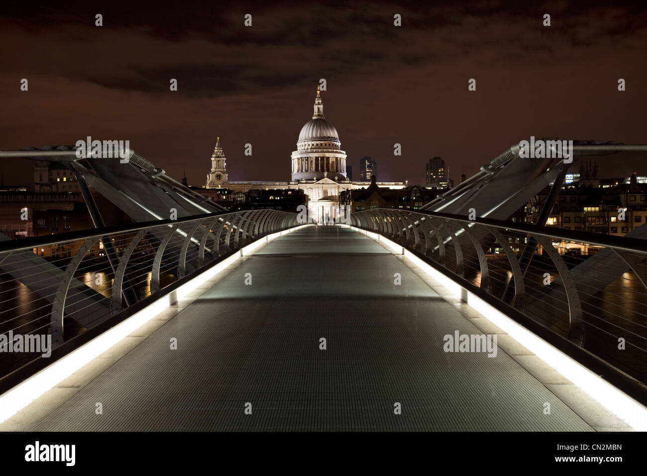 Millennium Bridge towards St Paul's Cathedral, London, UK - Stock Image
