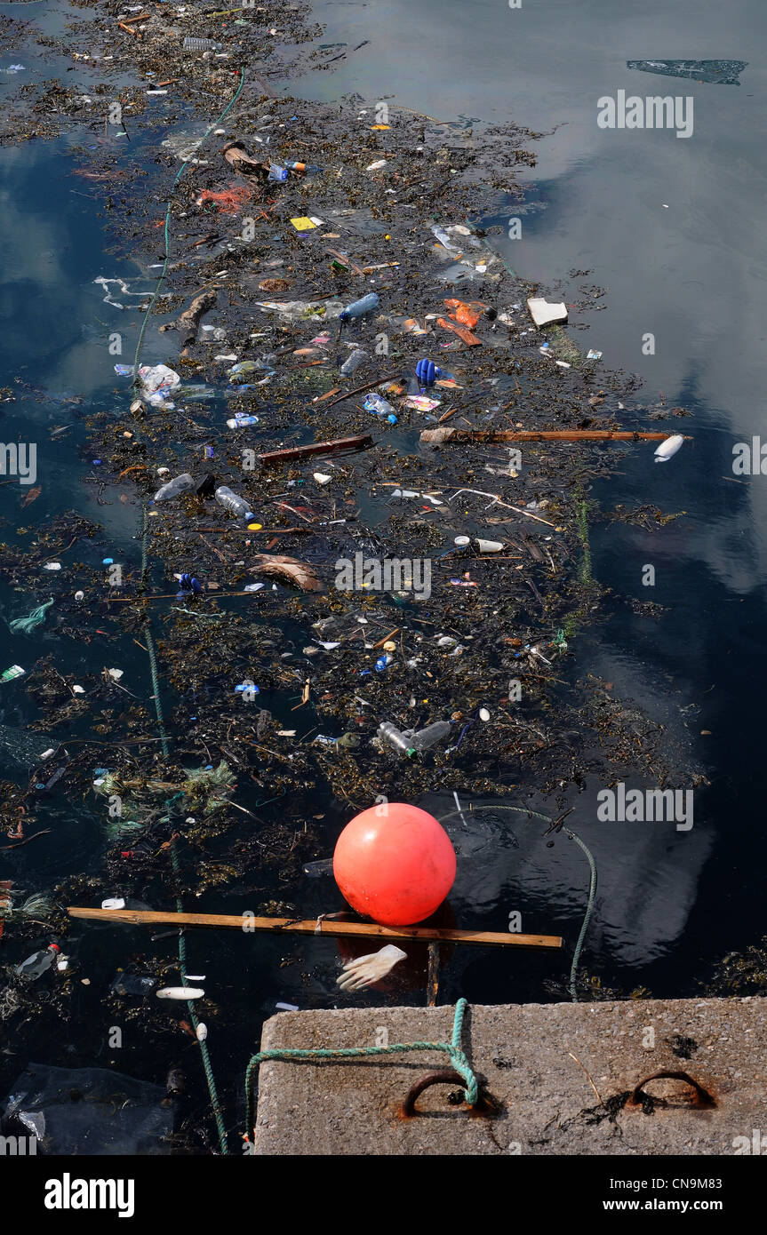 brixham harbour,'Great Pacific Garbage Patch' or 'Eastern Garbage Patch' trash ends up in the world's - Stock Image