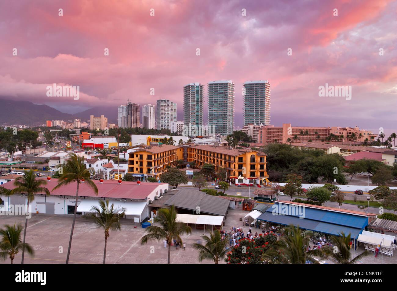 Puerto Sunset Stock Photos Amp Puerto Sunset Stock Images Alamy