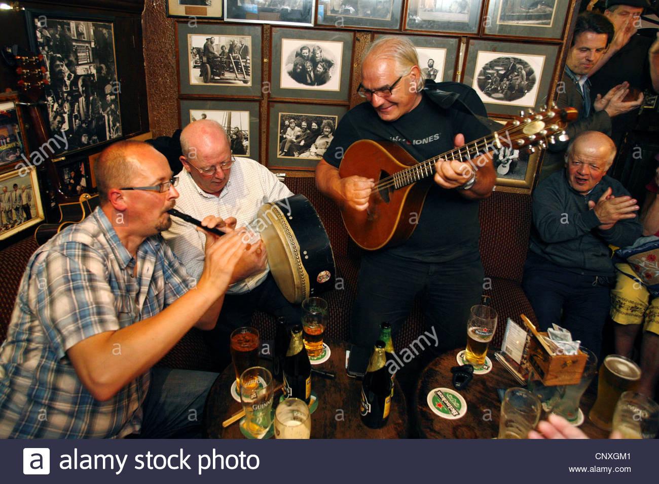 O'Donoghue's Pub, Dublin, Ireland - Stock Image