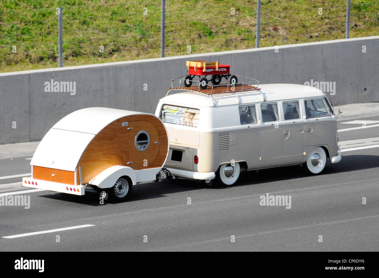 Motorhome Towing Stock Photos Amp Motorhome Towing Stock