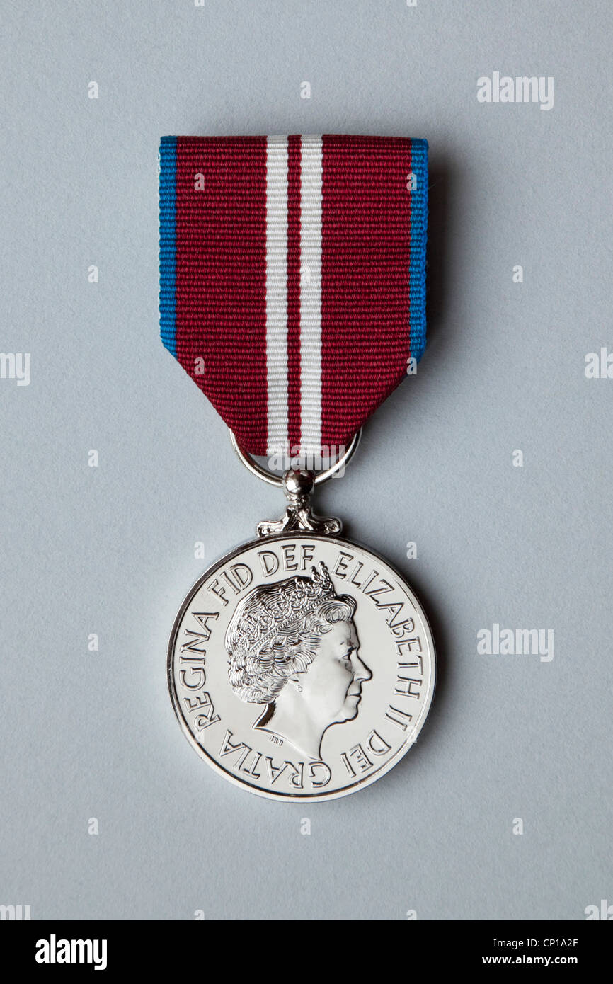 queen-elizabeth-2-diamond-jubilee-medal-