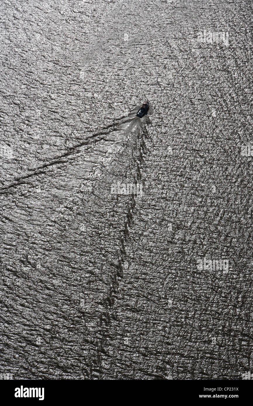 aerial photograph motorboat wake - Stock Image