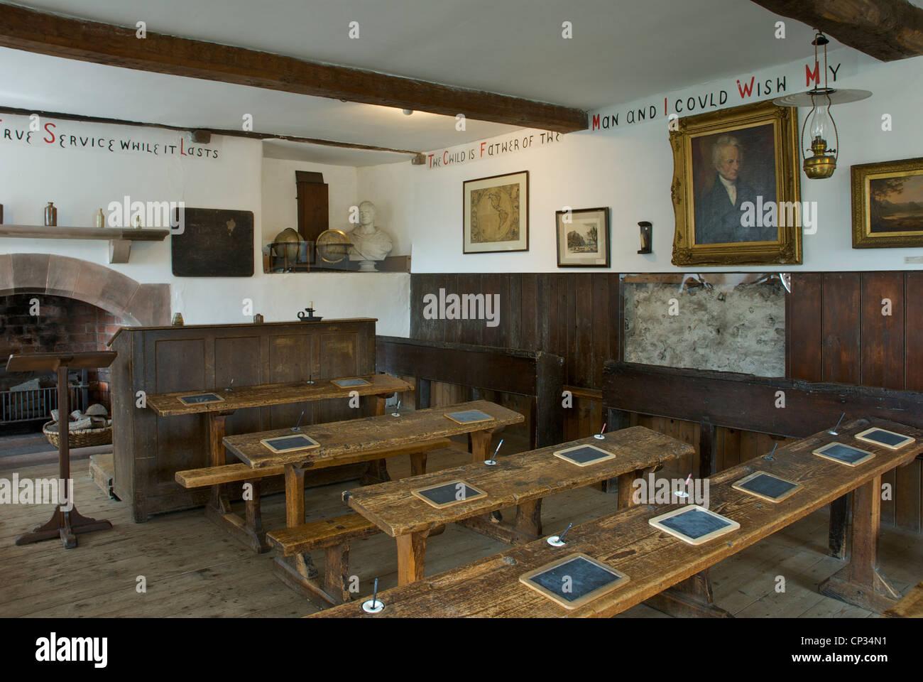 interior-of-hawkshead-grammar-school-museum-where-william-wordsworth-CP34N1.jpg