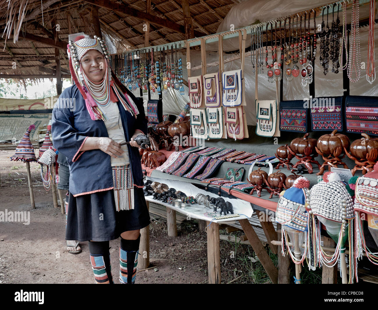 akha-hill-tribe-woman-of-northern-thaila