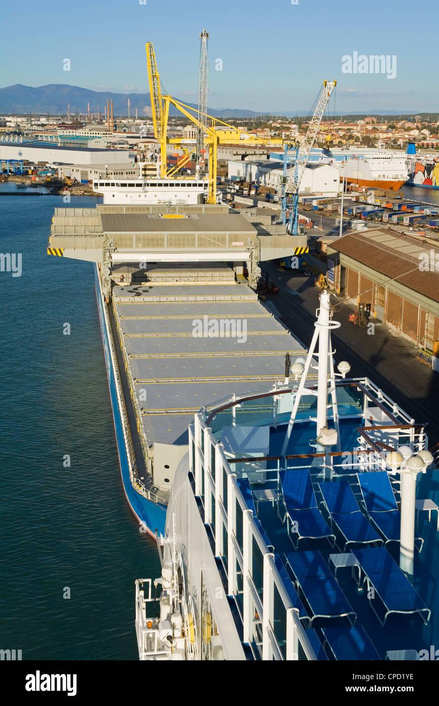 Cargo ship in the Port of Livorno, Tuscany, Italy, Europe - Stock Image