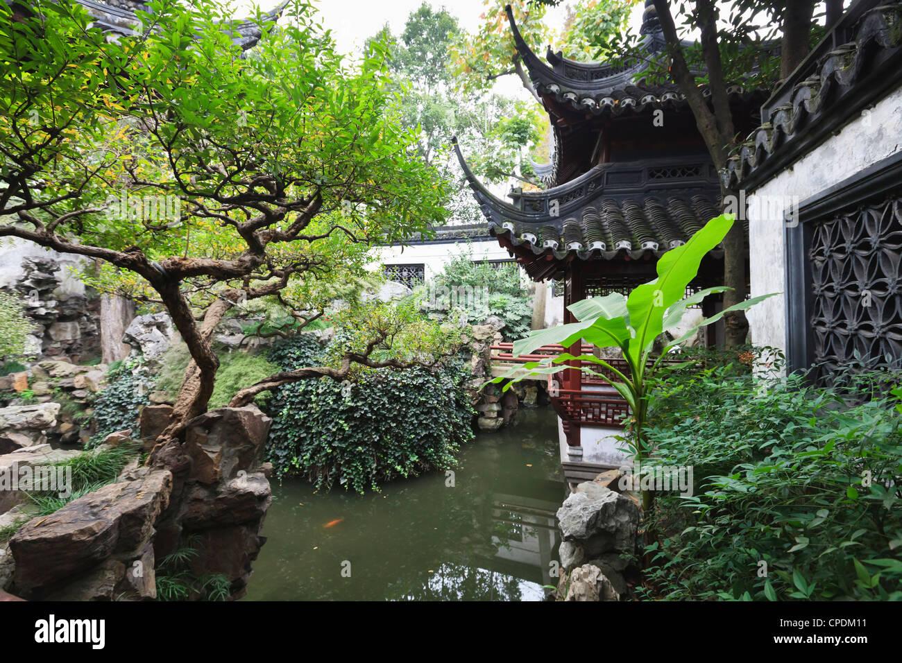Yu Gardens (Yuyuan Gardens), Nanshi, Shanghai, China - Stock Image