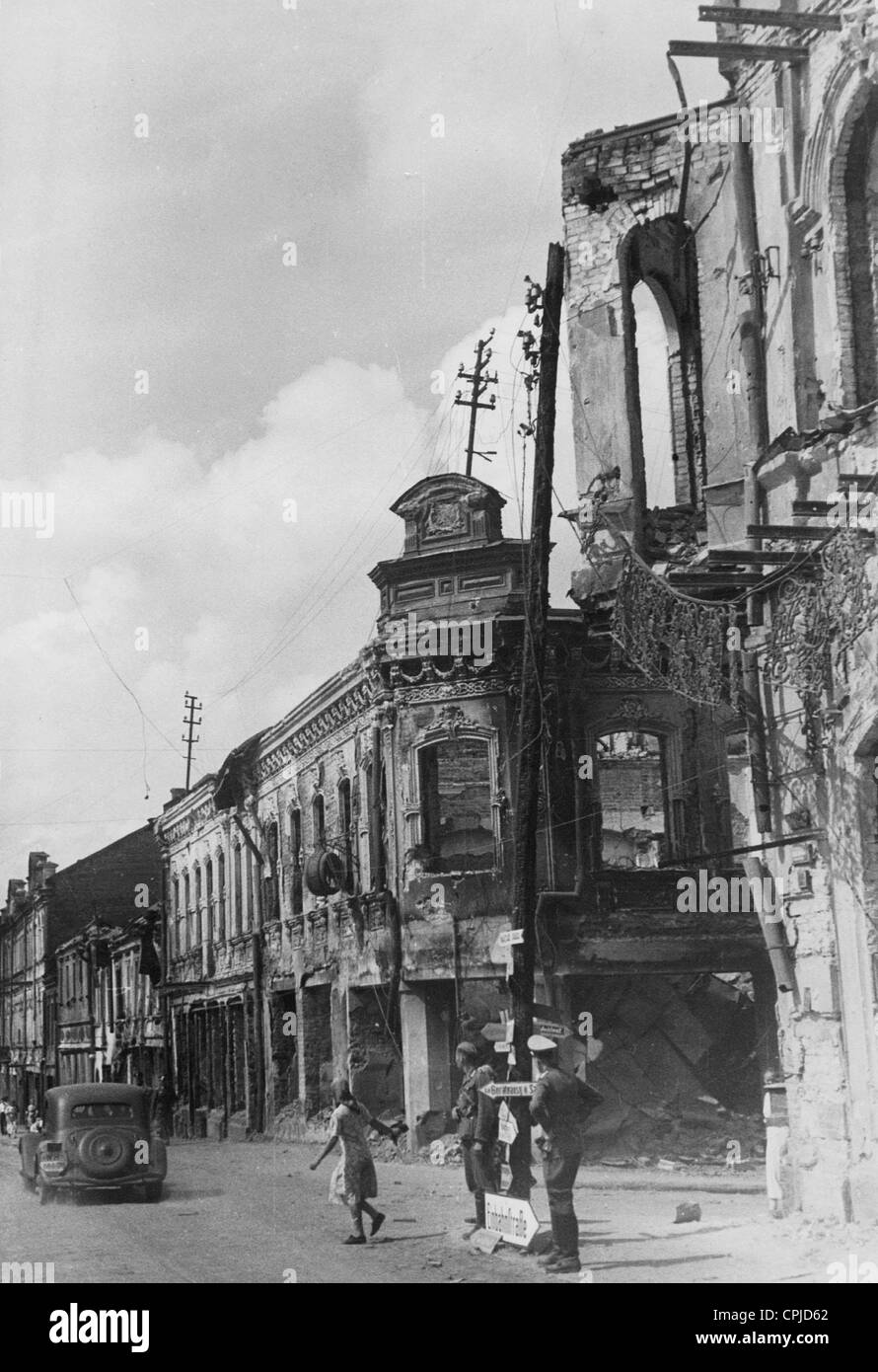 Destroyed houses in Minsk, 1941 - Stock Image