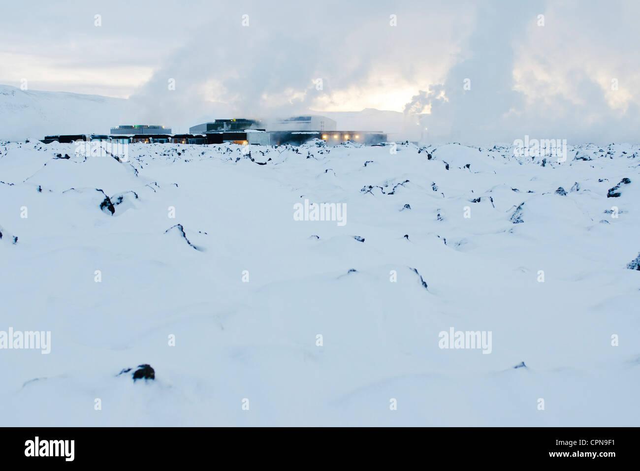 Iceland, Reykjanes Peninsula, Blue Lagoon, geothermal power station - Stock Image