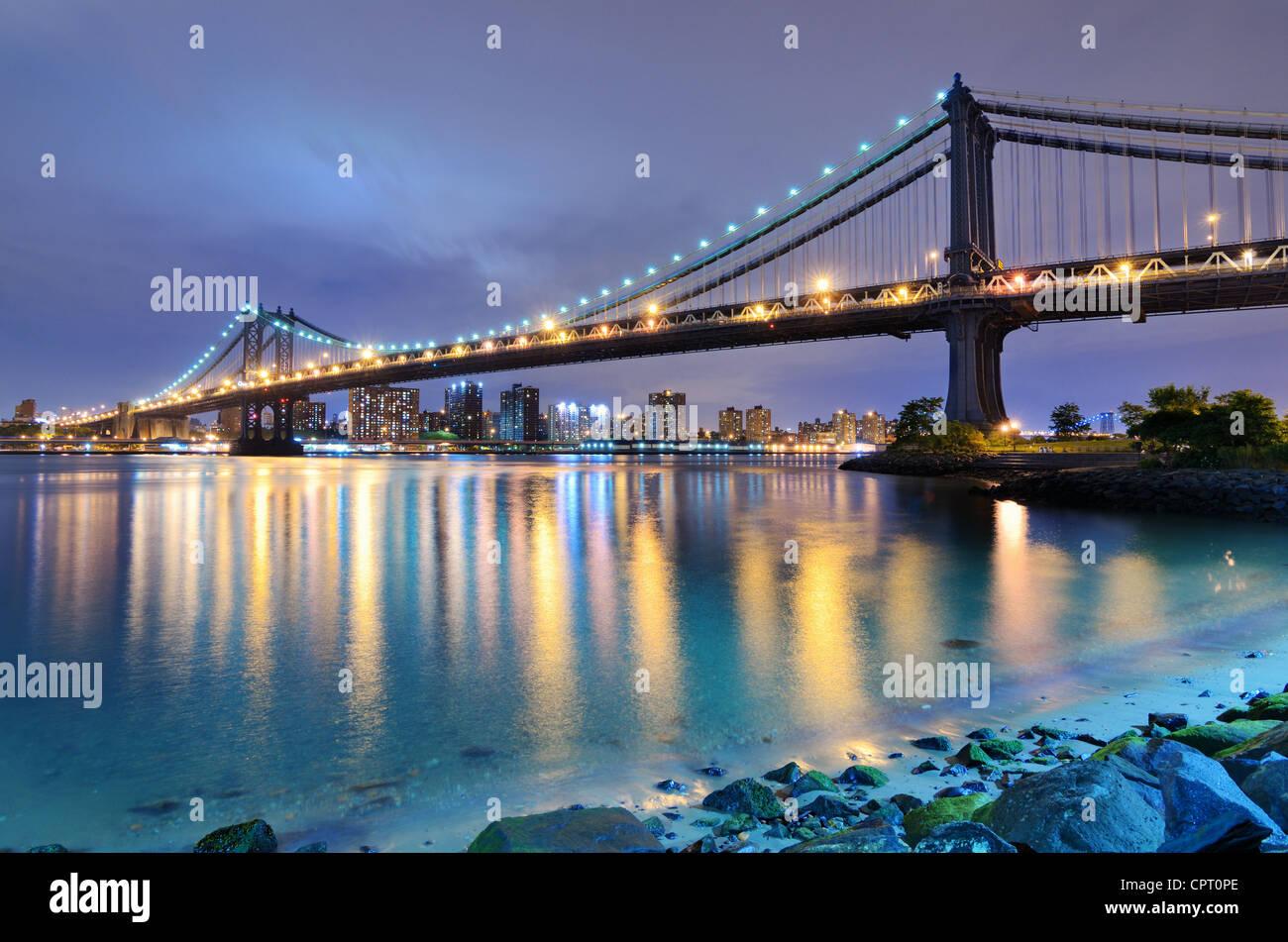 Manhattan Bridge spanning the East River towards Manhattan in New York City. - Stock Image