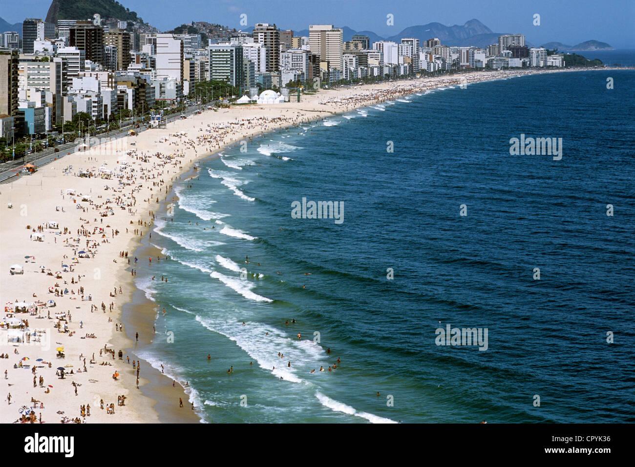 Brazil, Rio de Janeiro, cariocas landscape UNESCO World Heritage, Ipanema Beach, located between the Morro Dois - Stock Image