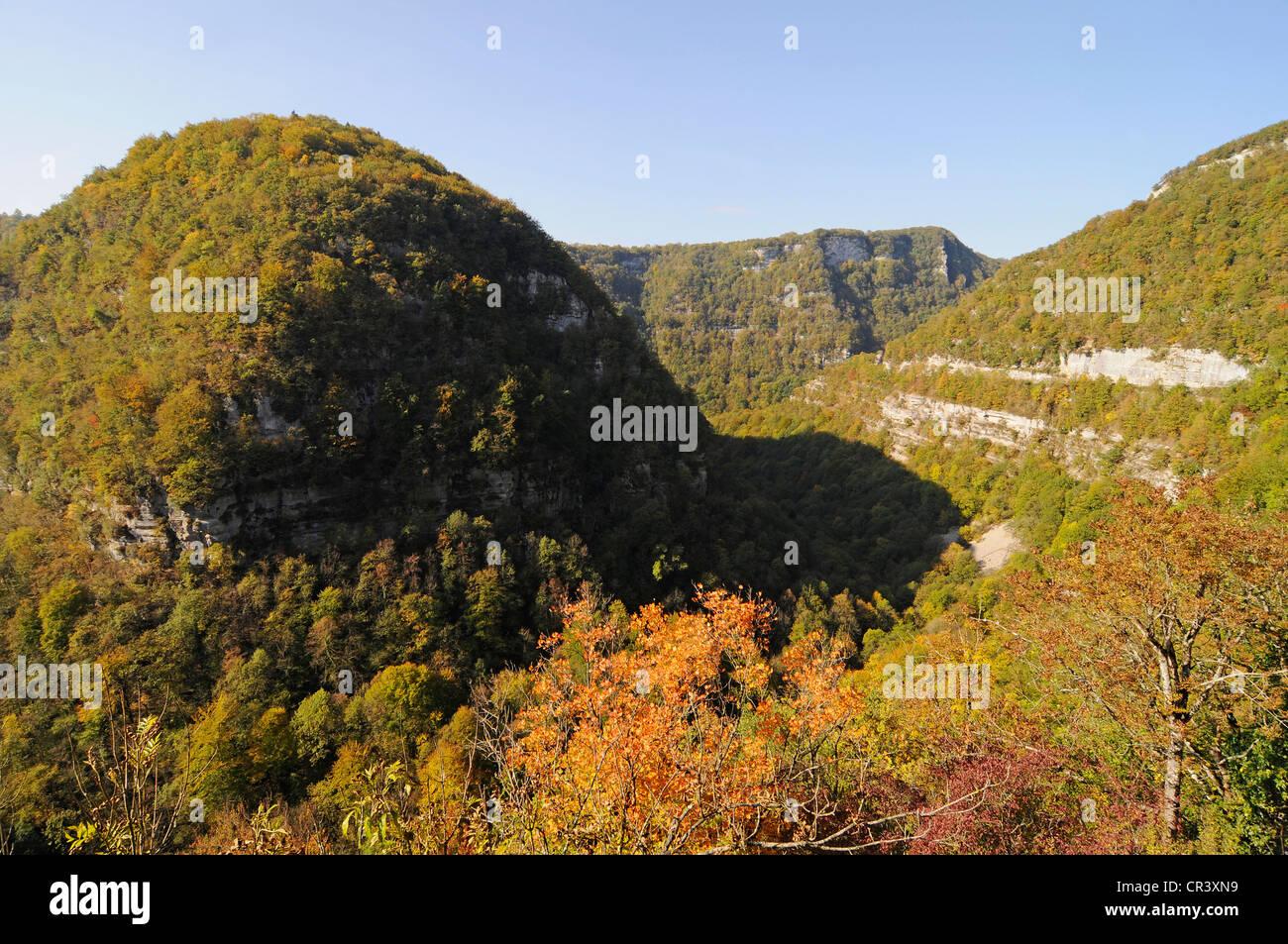 Valley of the Loue River, autumnal landscape, Ornans, Besancon, departement of Doubs, Franche-Comte, France, Europe - Stock Image