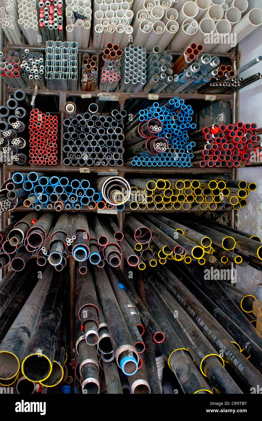 metal-pipes-in-a-hardware-store-in-new-y