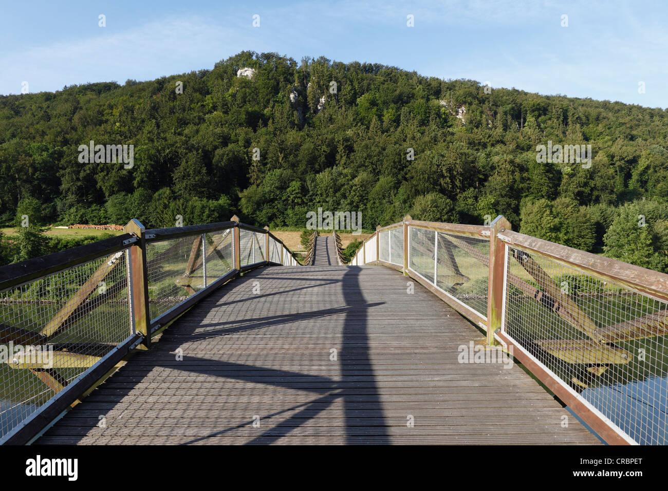 'Tatzelwurm' wooden bridge over the Altmuehl river, Altmuehl Valley, Lower Bavaria, Bavaria, Germany, Europe - Stock Image