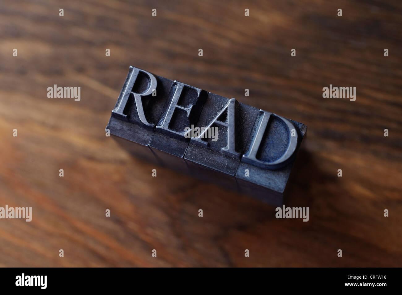 Lead type spelling 'read' - Stock Image