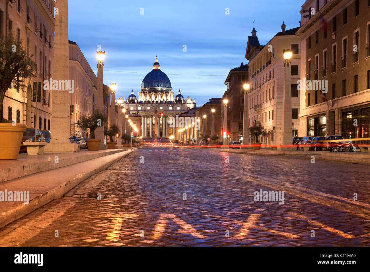 Rome at night. Italy Saint Peter's Basilica at night with trafic. Long exposure - Stock Image