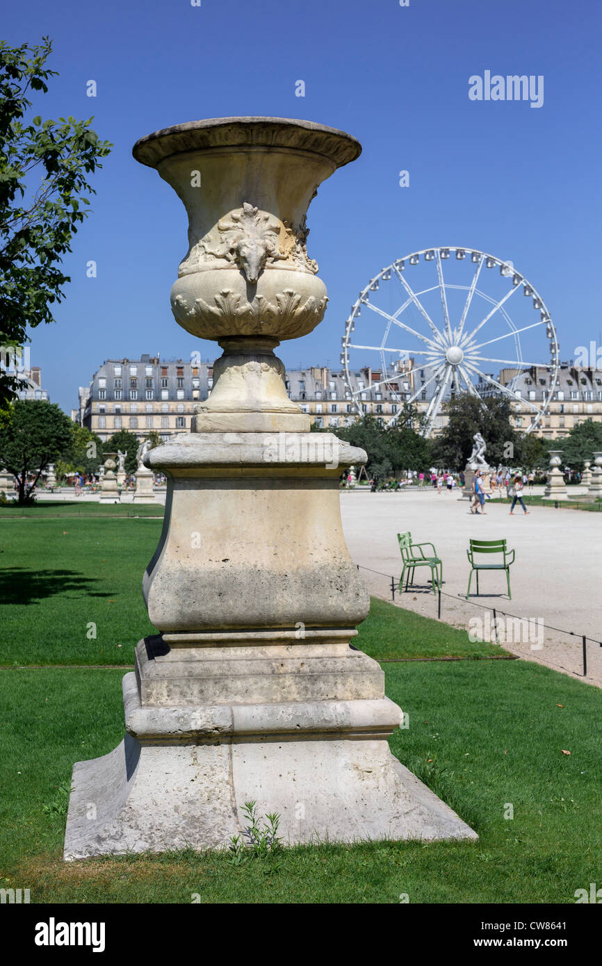 the big wheel in the tuileries garden and the louvre museum paris ile de france france europe eu - Tuileries Garden
