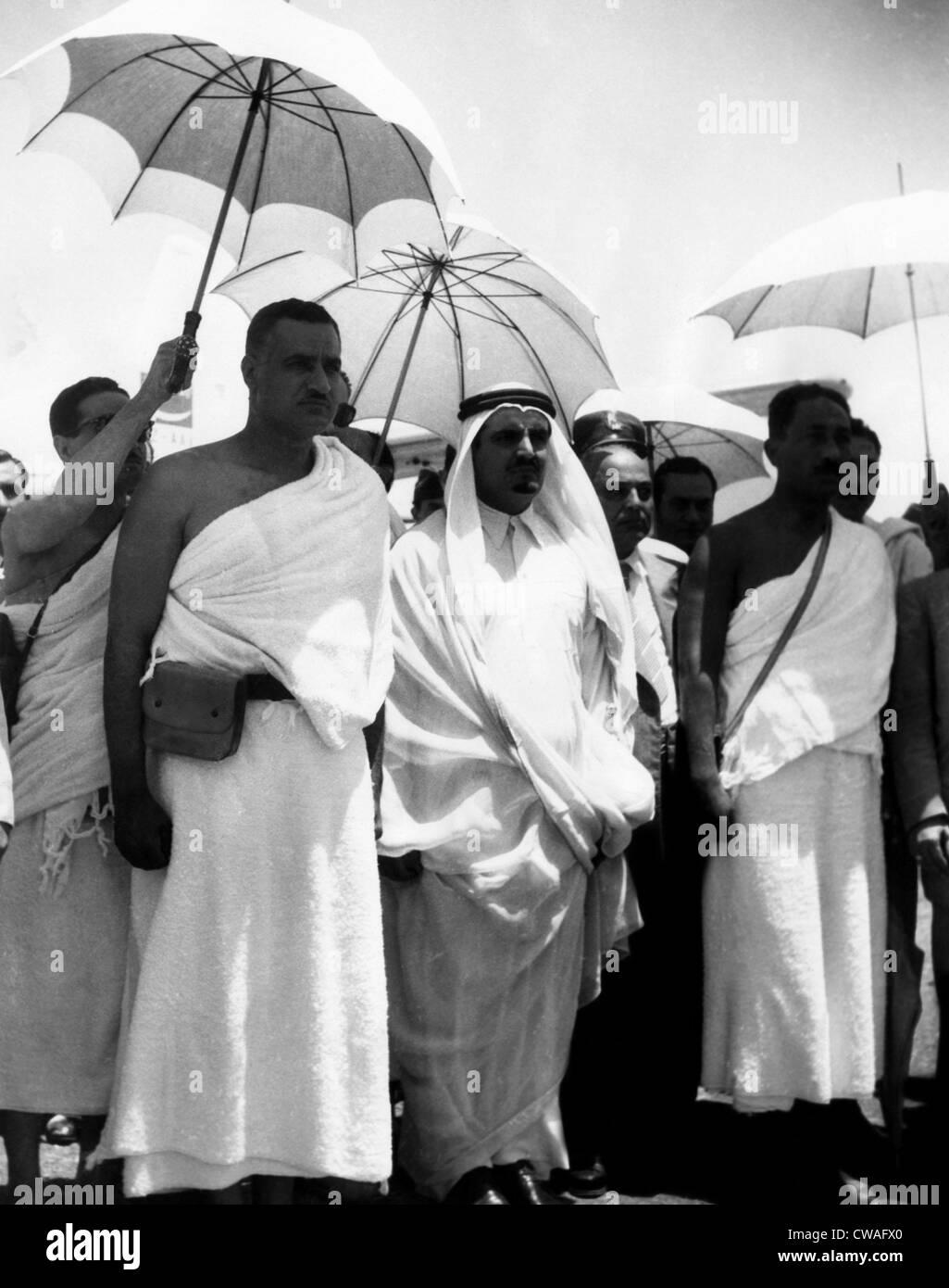 President of the United Arab Republic Gamal Abdel Nasser (forground, left), visiting King Saud of Saudi Arabia (with - Stock Image