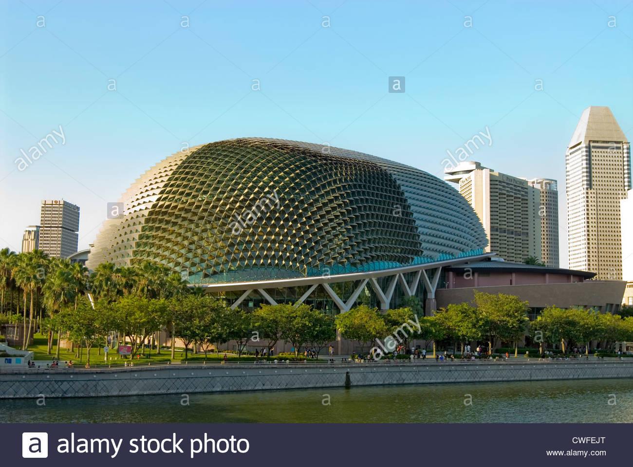 Singapore Esplanade at the Marina Bay, Singapore   Singapore Esplanade in der Marina Bay, Singapur - Stock Image