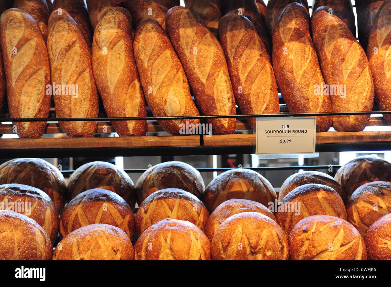 usa-california-ca-san-francisco-boudin-bakery-at-fishermans-wharf-CWFJR6.jpg