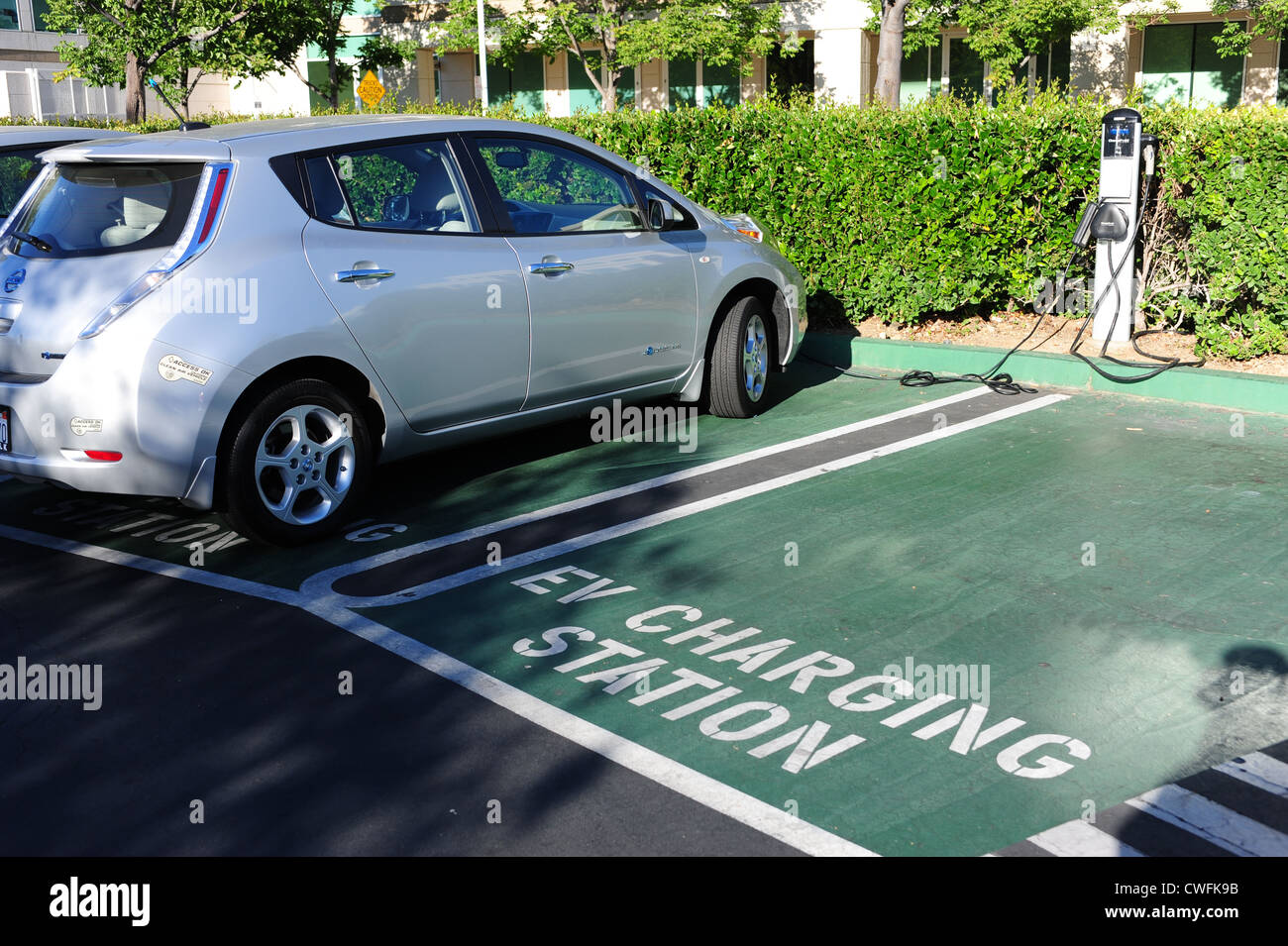 electric-vehicle-charging-station-at-an-office-park-in-cupertino-california-CWFK9B.jpg