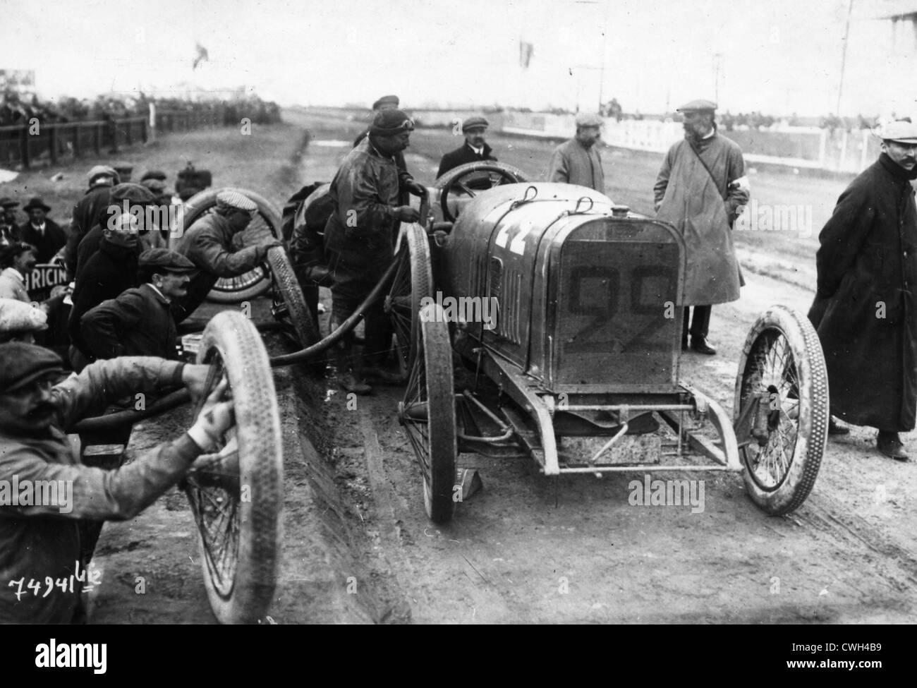 1912 Peugeot 3 litre coupe de l'auto driven by Thomas. Stock Photo