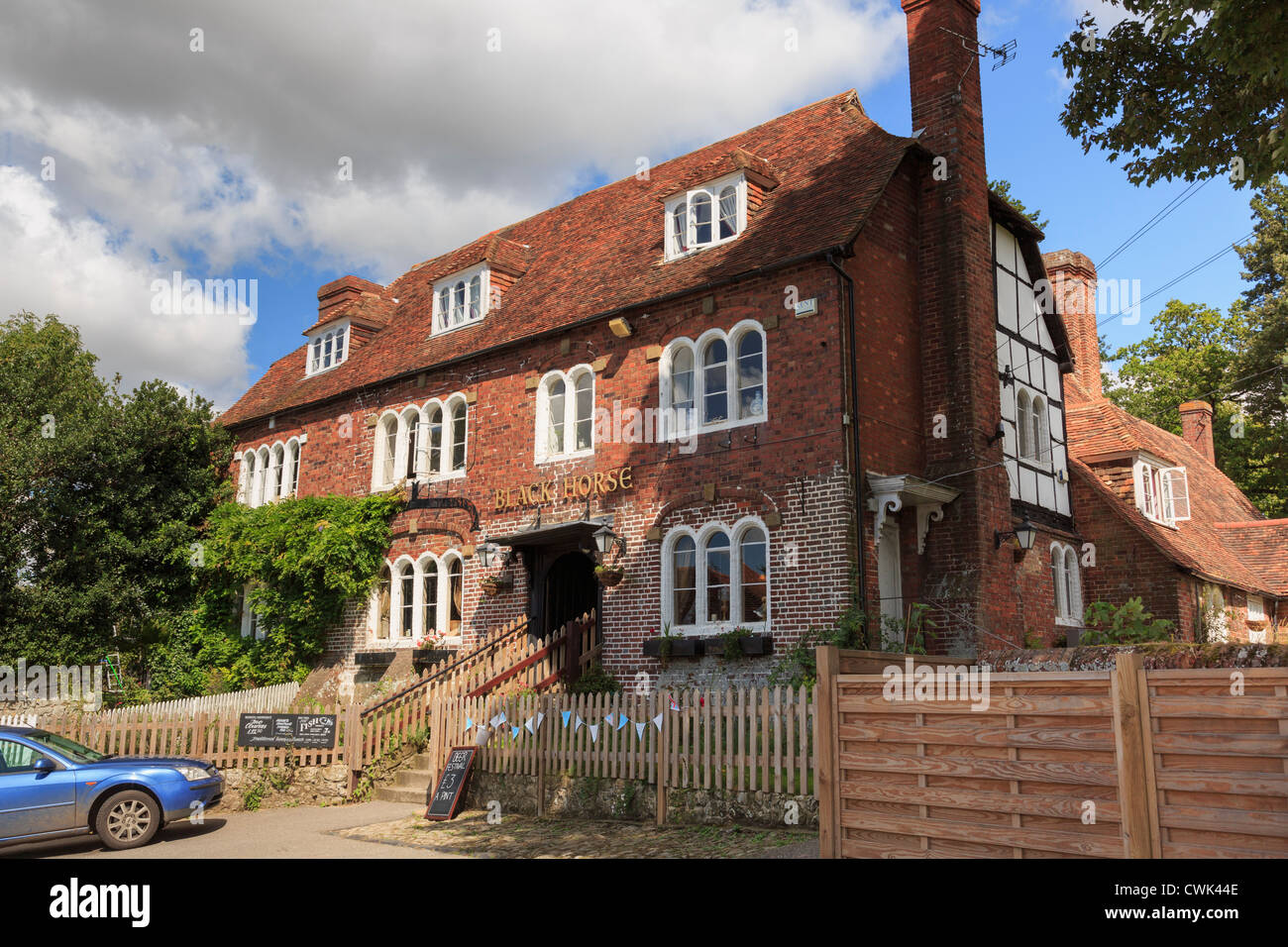 15th century Black Horse pub reputed to have many ghosts in most haunted English village of Pluckley, Kent, England, - Stock Image