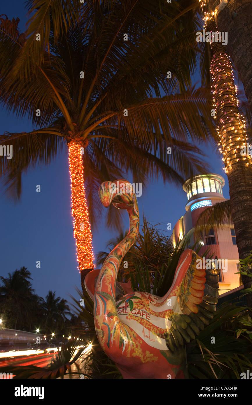 FLAMINGO SCULPTURE OCEAN DRIVE SOUTH BEACH MIAMI BEACH FLORIDA USA - Stock Image