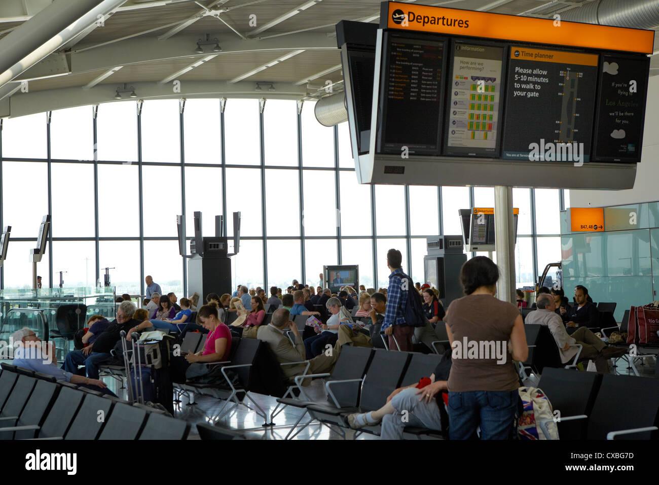Terminal 5 departure hall, Heathrow Airport, UK - Stock Image