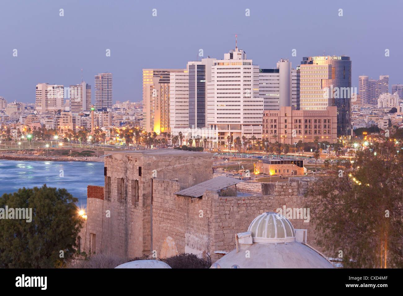 Downtown buildings viewed from HaPisgah Gardens Park, Tel Aviv, Israel, Middle East - Stock Image