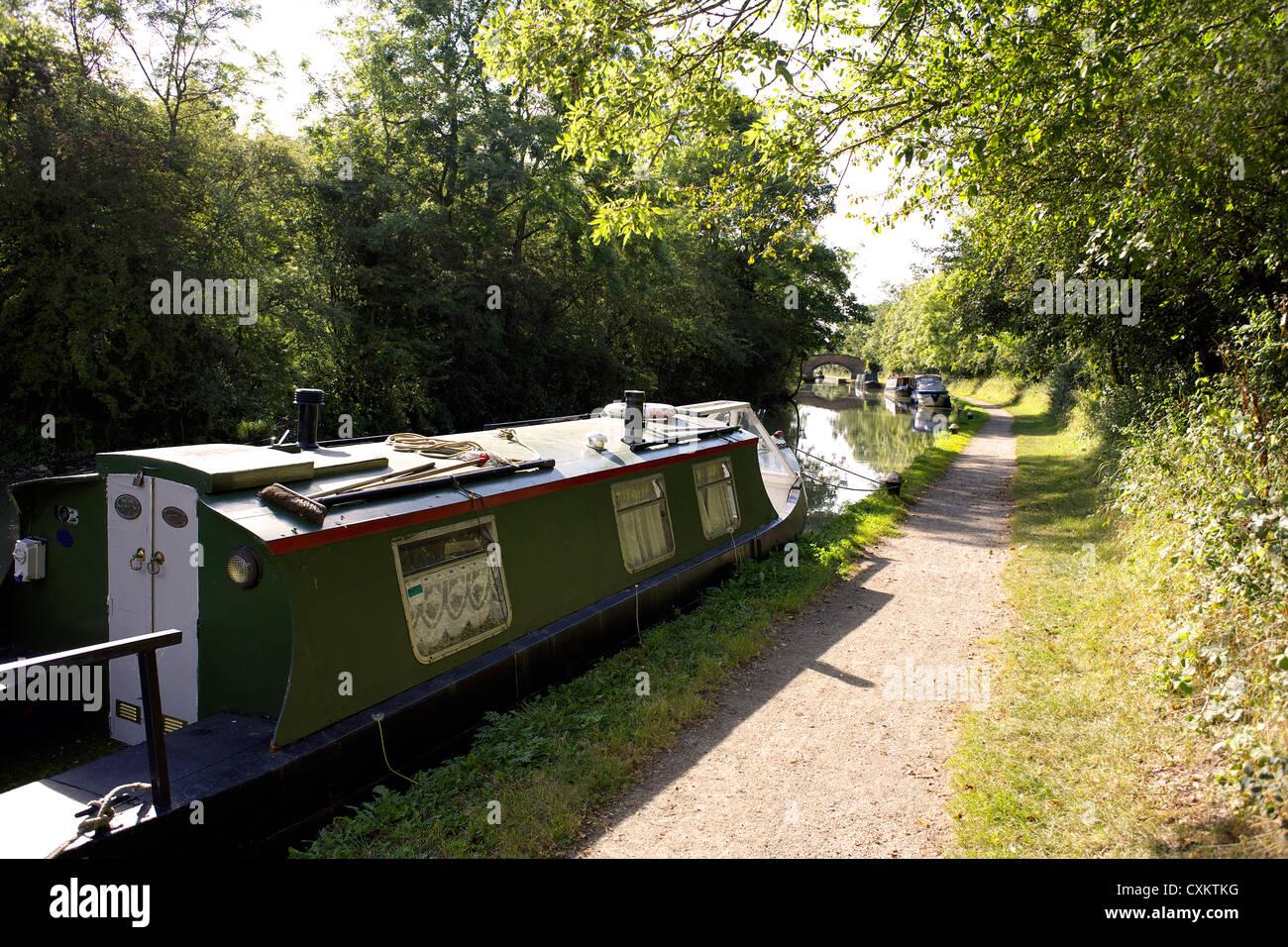 Narrowboats on the Grand Union Canal, Warwickshire, UK, England, GB, British, English, inland, waterways, canals, - Stock Image