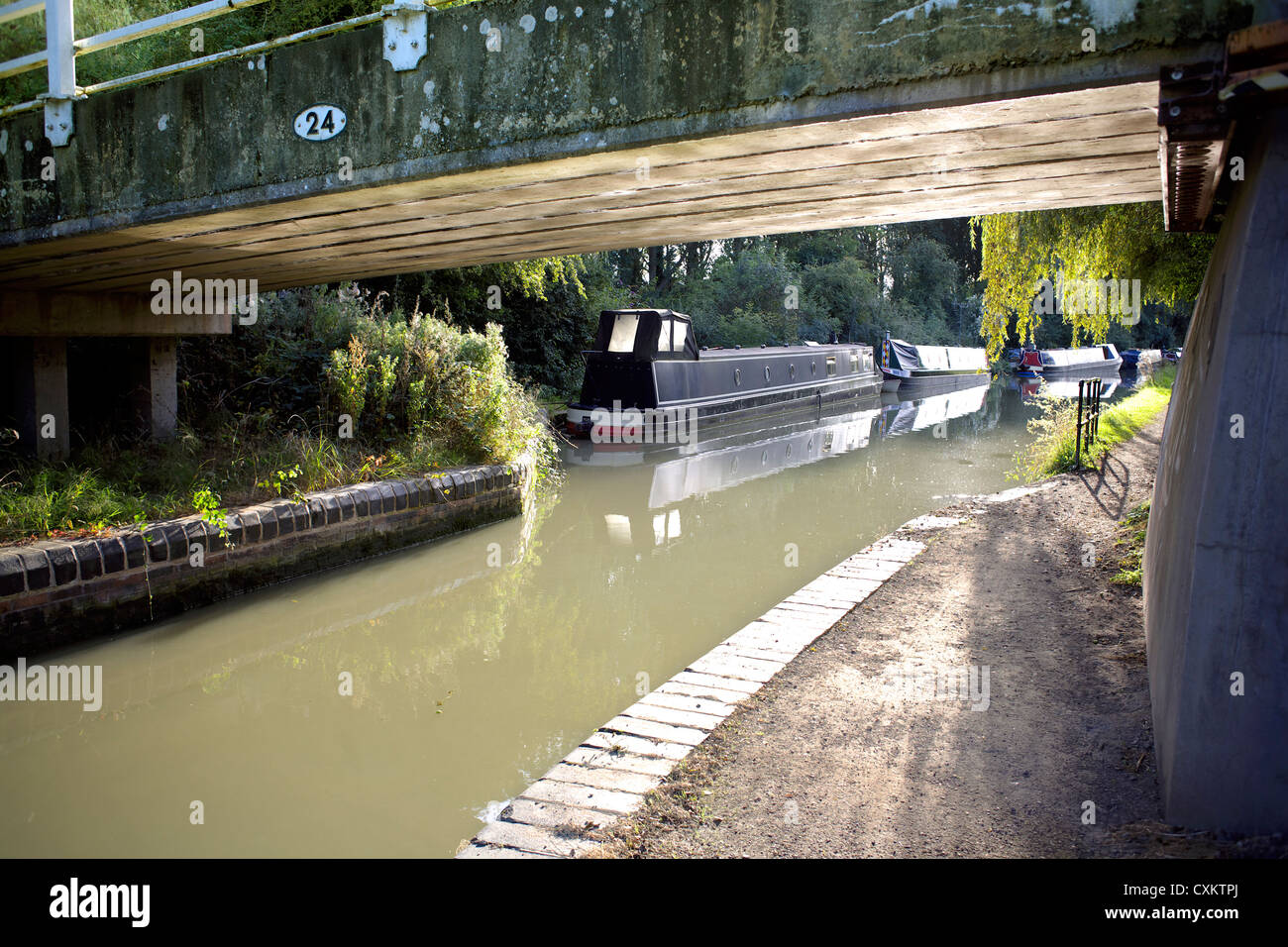 Bridge 24 Grand Union Canal Warwickshire UK England GB British English inland waterways canals countryside English - Stock Image