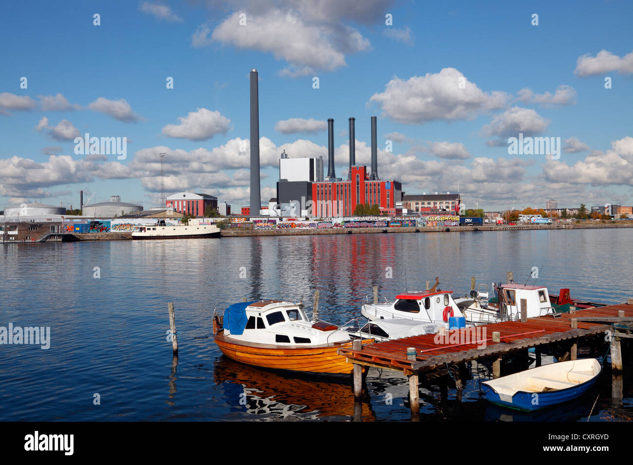 hc-oersted-power-station-in-sydhavnensouth-harbour-copenhagen-denmark-CXRGYD.jpg
