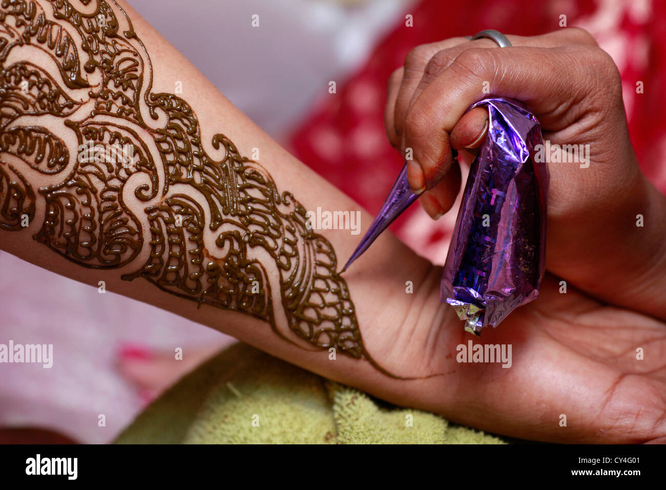 Henna Tattoo Thailand : Henna tattoo stock photos images alamy