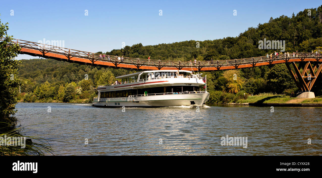 Germany, Bavaria, View of Tatzelwurm Bridge at Altmuehl River - Stock Image