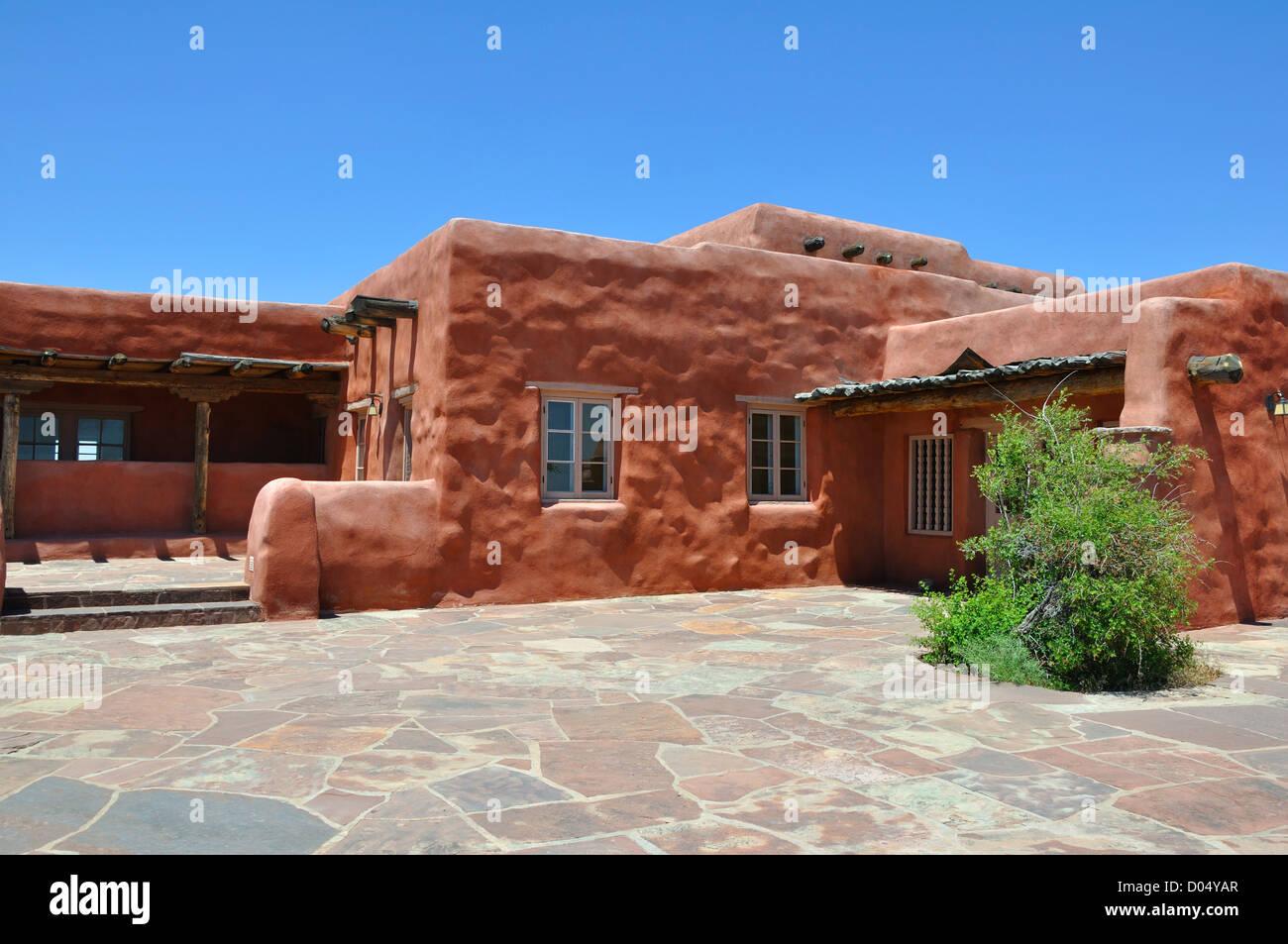 Adobe style house arizona usa stock photo 51740383 alamy for Arizona style homes