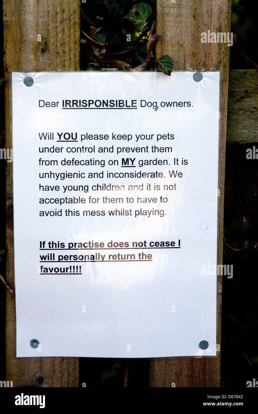 funny-notice-sign-about-dog-fouling-on-a-private-house-england-uk-D078X2.jpg