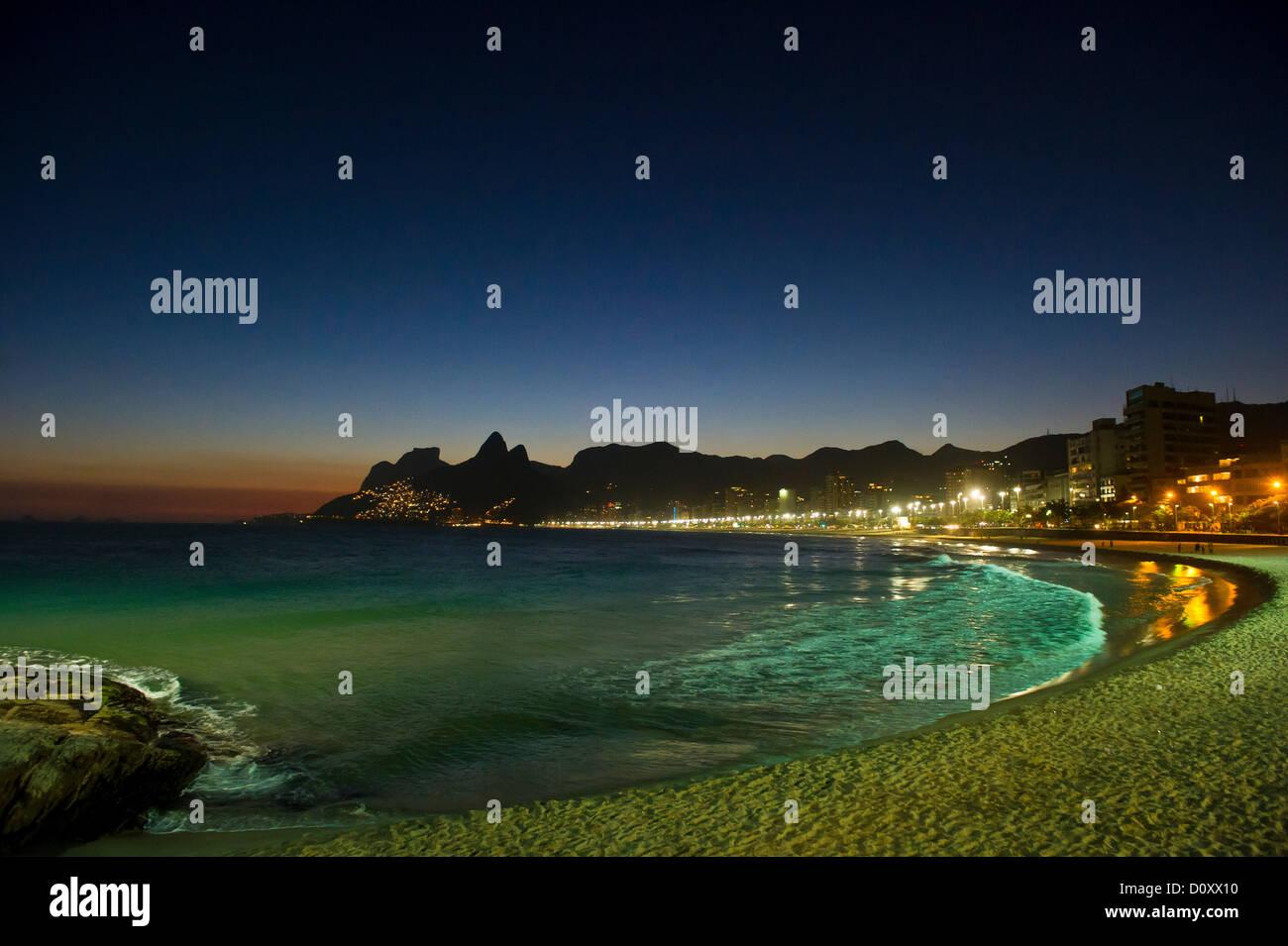 Ipanema beach at night, Rio de Janeiro, Brazil - Stock Image