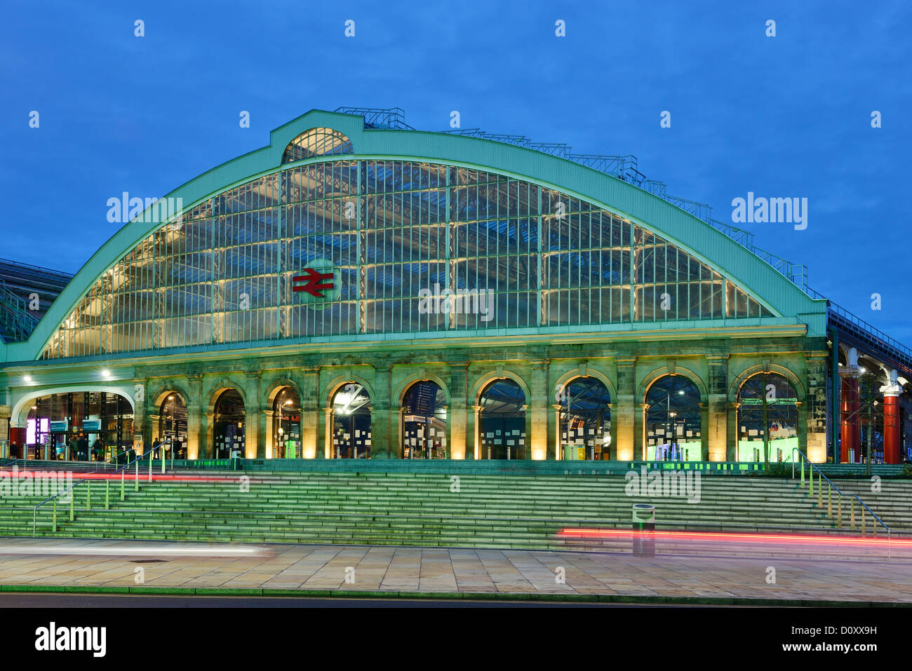 Front of Liverpool Lime Street train station at night - Stock Image