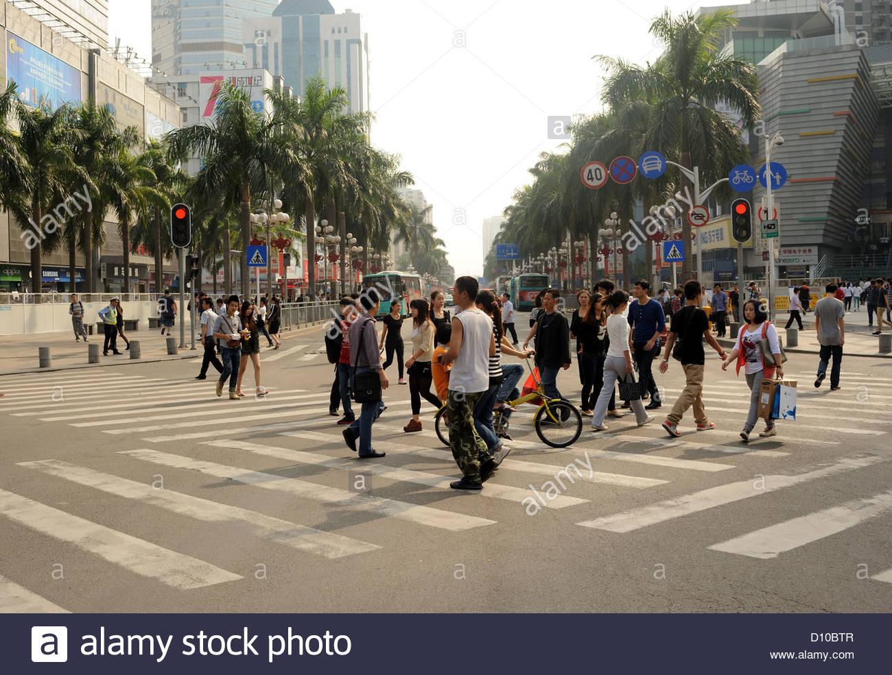 Shenzhen, China Zebra crossing diagonal across the road. - Stock Image