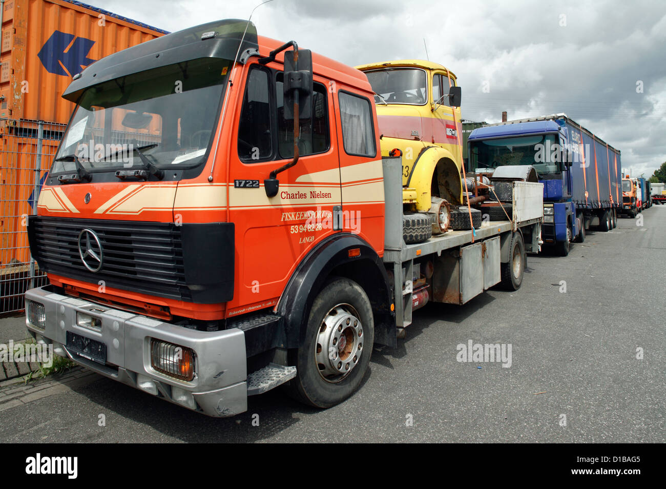 Old Mercedes Truck Stock Photos & Old Mercedes Truck Stock ...