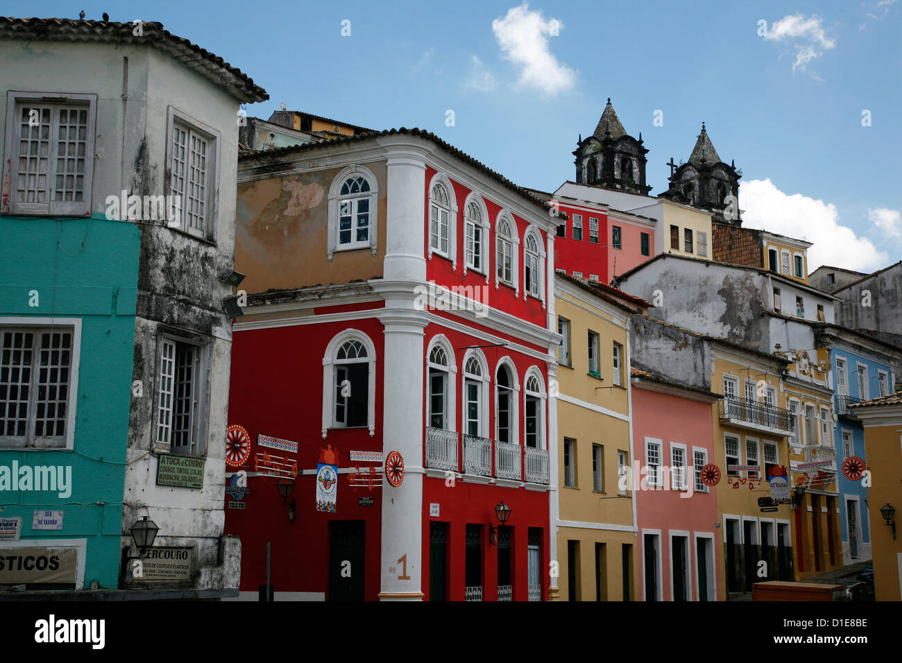 Cobbled streets and colonial architecture, Largo de Pelourinho, Salvador, Bahia, Brazil, South America - Stock Image