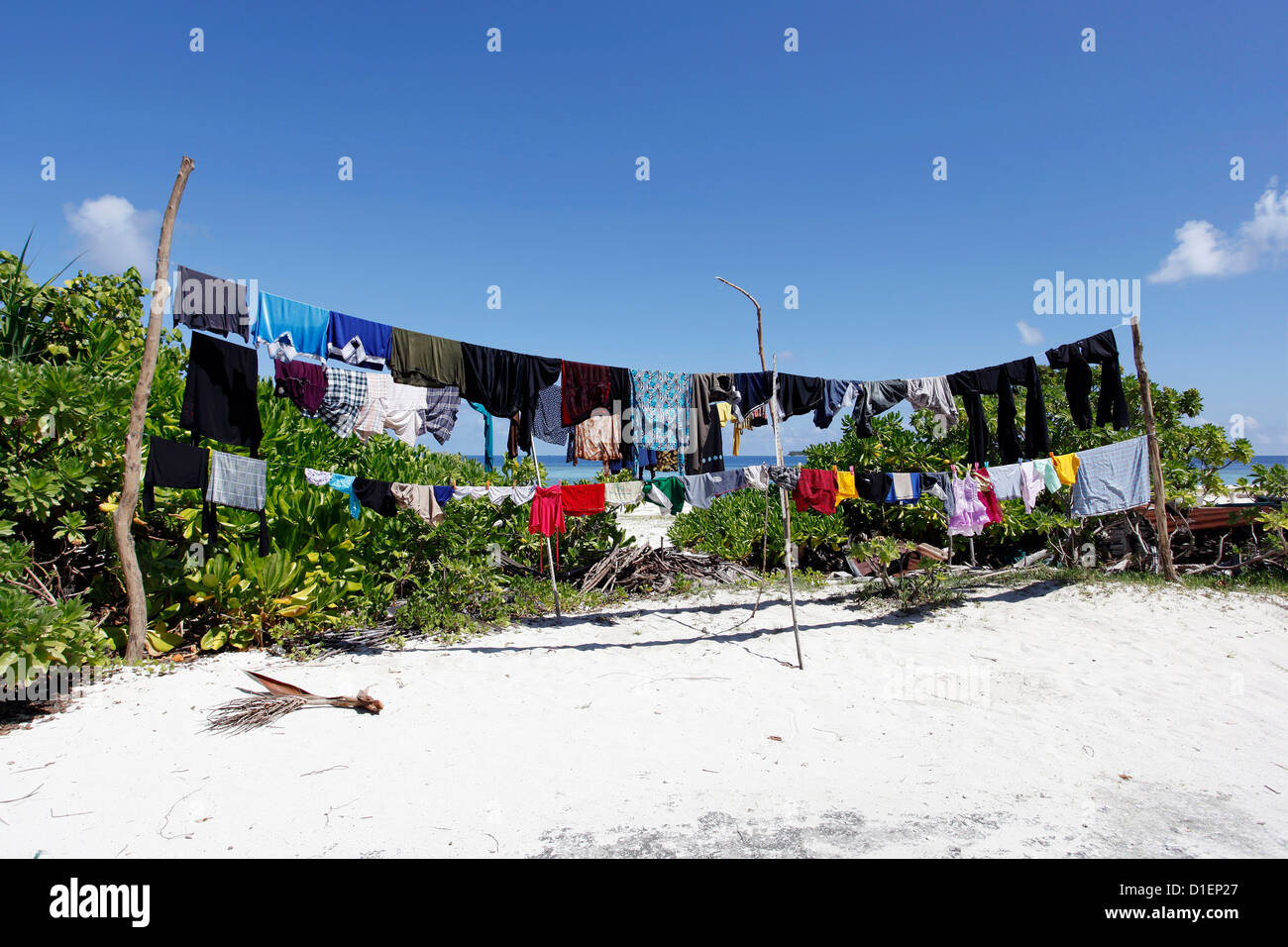 Clothesline on the beach of the Baa Atoll, Maldives - Stock Image
