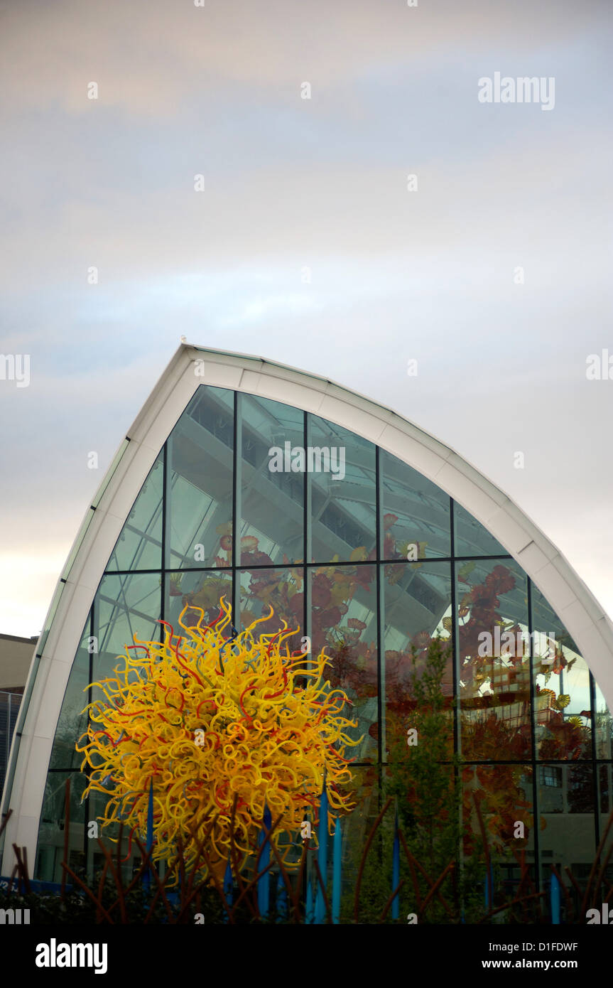 Exterior of the new Chihuly Glass Museum located below the Space Needle, Seattle, Washington State, United States - Stock Image
