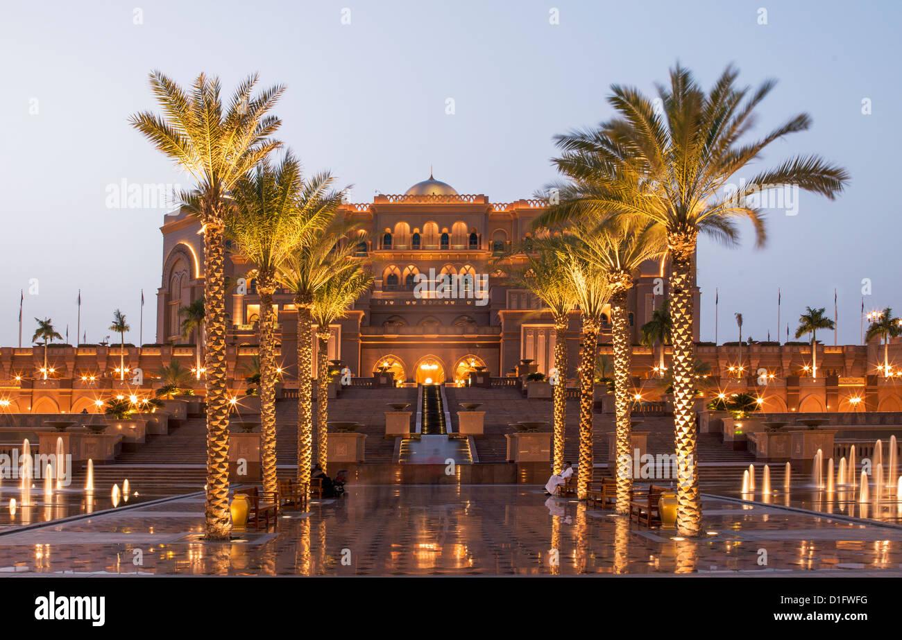 Emirates Palace Hotel, Abu Dhabi, United Arab Emirates, Middle East - Stock Image