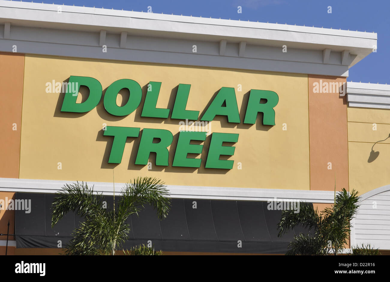 Dollar Store Sign Stock Photos & Dollar Store Sign Stock Images - Alamy