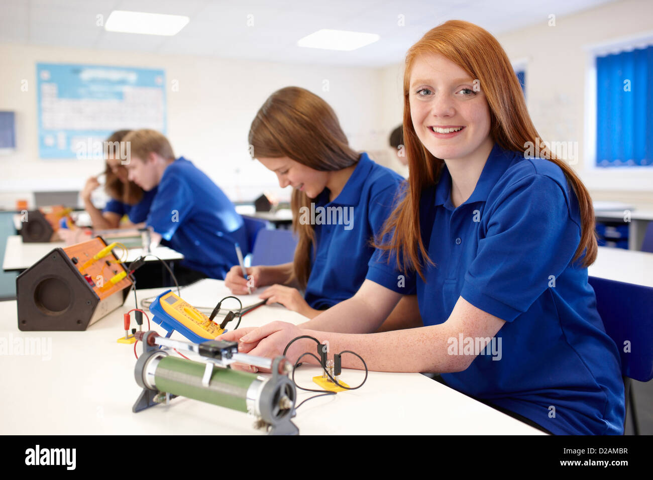 Students working in science class - Stock Image